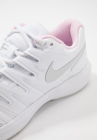 Nike Performance - AIR ZOOM PRESTIGE CARPET - Carpet court tennis shoes - white/photon dust/pink foam - 5