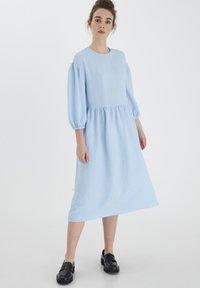 ICHI - IXLOVA DR - Day dress - cashmere blue - 1