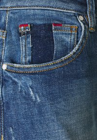 Guess - MOM  - Straight leg jeans - blue denim - 2