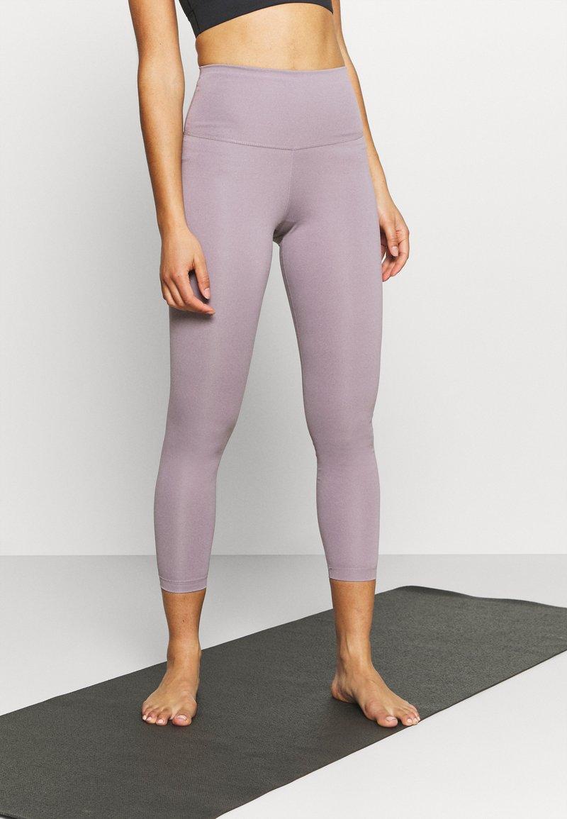 Nike Performance - THE YOGA 7/8  - Tights - purple smoke/heather/violet dust