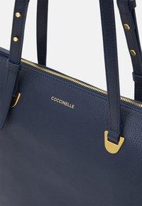 Coccinelle - LEA - Velká kabelka - ink - 4