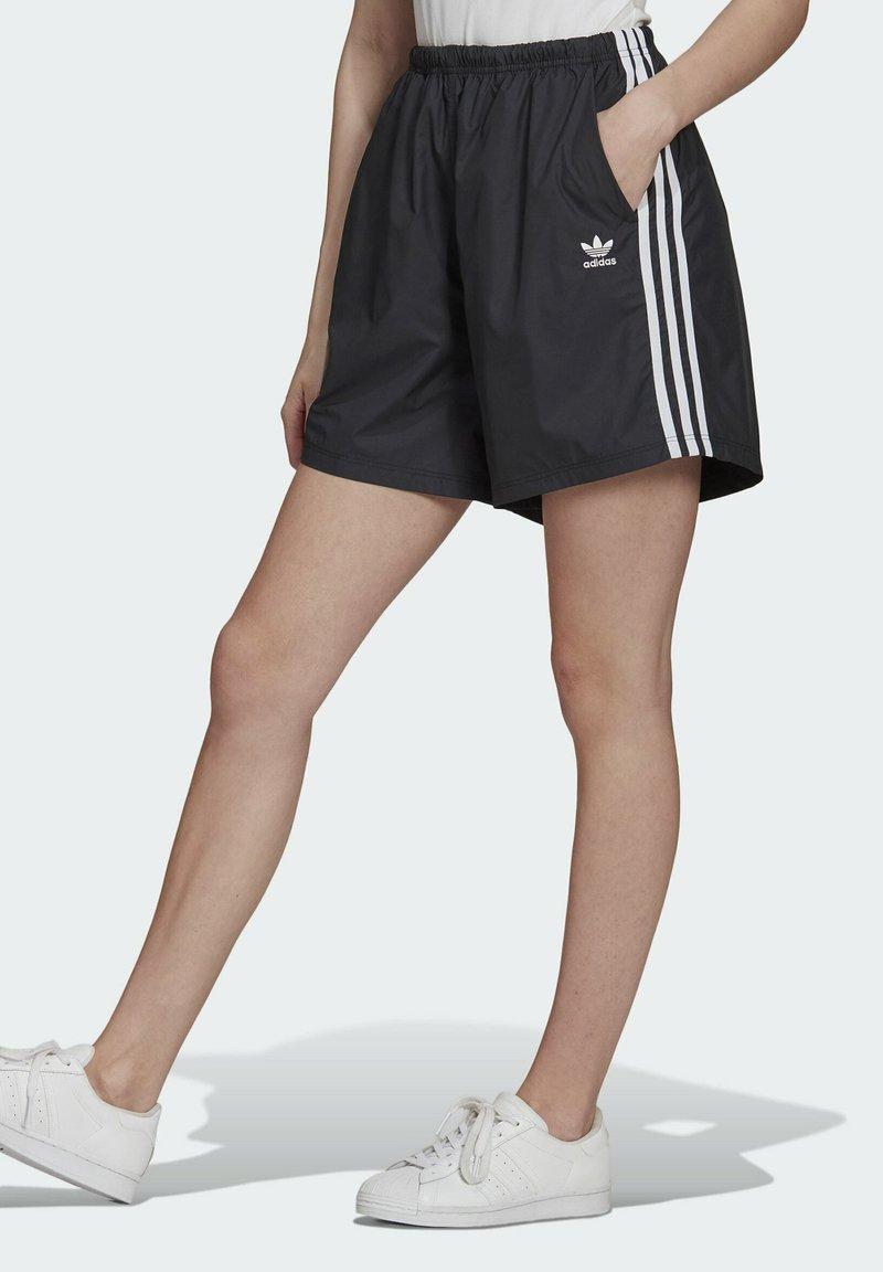 adidas Originals - LONG SHORTS - Teplákové kalhoty - black