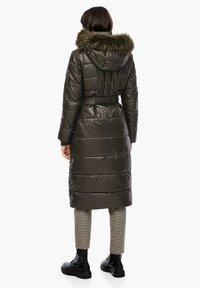 s.Oliver - MIT LOGO-GÜRTEL - Winter coat - khaki - 2