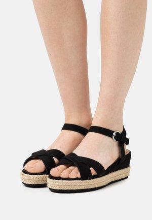 WIDE FIT STRASBOURG - Platform sandals - black