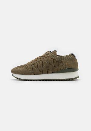 BEVINDA - Sneakers laag - aloe green