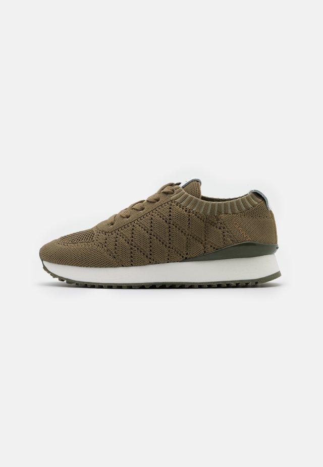 BEVINDA - Sneakersy niskie - aloe green