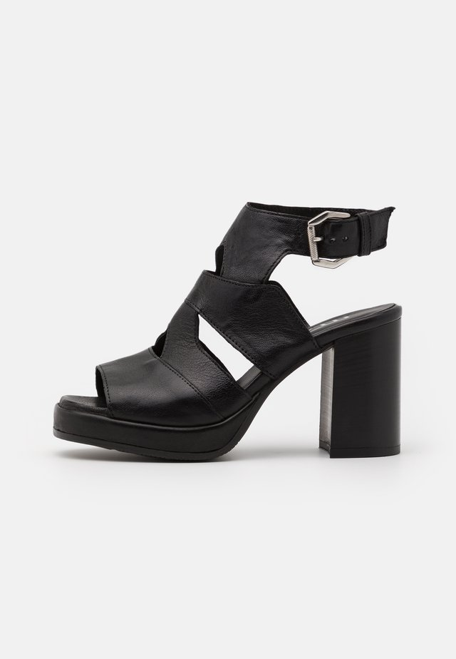 APERTA - Sandalen met plateauzool - nero