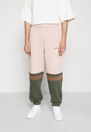 SAMUEL TRACKPANTS - Pantalon de survêtement - color block