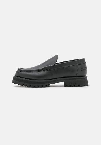 LOAFERS - Scarpe senza lacci - black