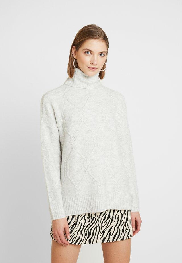 ONLLINELLA HIGHNECK - Jersey de punto - white