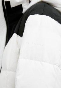 Finn Flare - Down jacket - white - 7