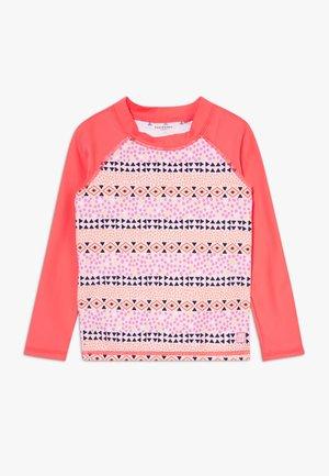 Koszulki do surfowania - multicolor
