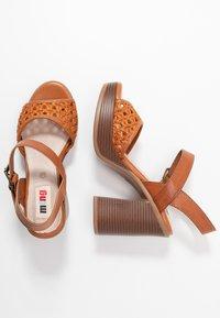 mtng - TAY - Sandály na vysokém podpatku - orange/brown - 3