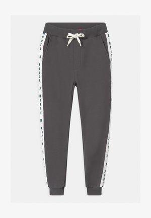 PABLO UNISEX - Teplákové kalhoty - magnet