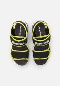 Reebok - WAVE GLIDER III UNISEX - Sandali da bagno - black/yellow flare/white - 3