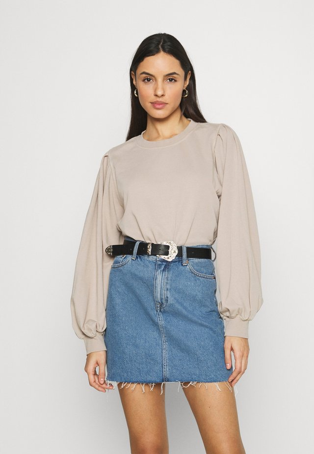 PENNY PLEAT SHOULDER CREW - Collegepaita - light brown
