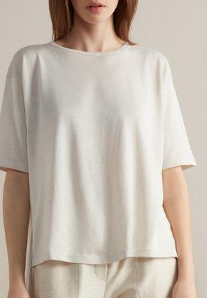 Basic T-shirt - sale