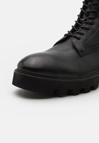 Hudson London - ELLIOT - Lace-up ankle boots - black - 5