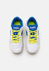 Diadora - S. CHALLENGE 3 YOUTH CARPET UNISEX - Multicourt tennis shoes - royal/white/yellow fluo - 3
