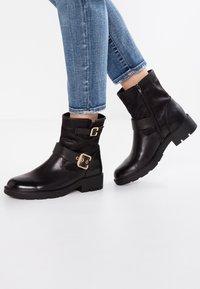 H.I.S - Cowboy/biker ankle boot - black - 0