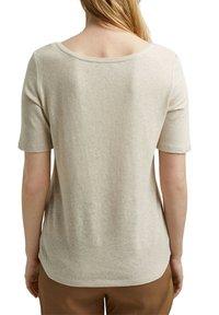Esprit - Basic T-shirt - light beige - 5