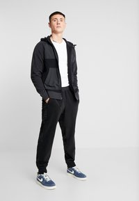 Nike Sportswear - HOODIE WINTER - Fleecejacke - black/off noir/white - 1