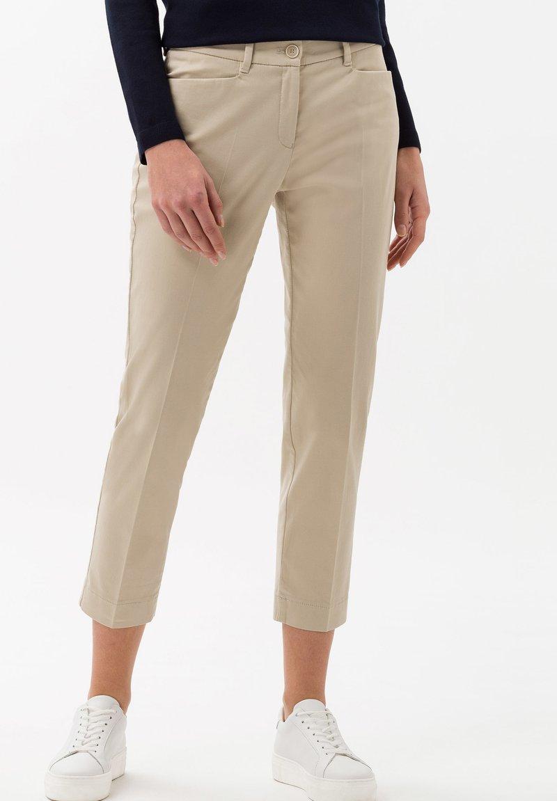 BRAX - STYLE MARA S - Trousers - toffee
