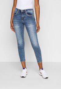 Vero Moda Petite - VMTERESA - Skinny džíny - medium blue denim - 0