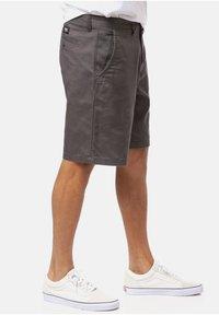 Vans - Shorts - asphalt - 2