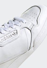 adidas Originals - CONTINENTAL 80 RECON  - Matalavartiset tennarit - footwear white/silver metallic - 8