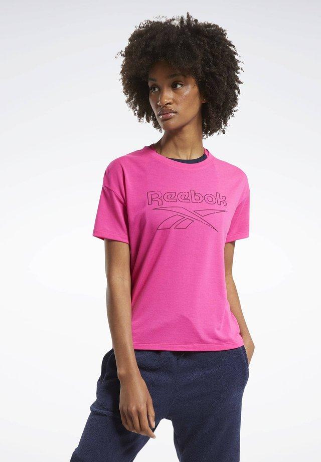 WORKOUT READY SUPREMIUM SLIM FIT BIG LOGO T-SHIRT - Print T-shirt - pink