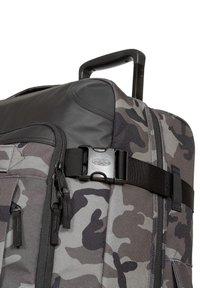 Eastpak - Valise à roulettes - cnnct camo - 2