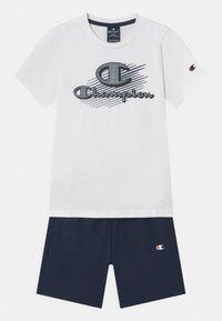 Champion - GRAPHIC SET UNISEX - Print T-shirt - white - 0