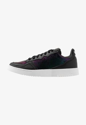 SUPERCOURT - Sneakersy niskie - core black/footwear white/mystery ruby