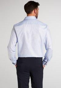 Eterna - FITTED WAIST - Formal shirt - hellblau - 1