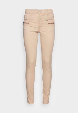 SC-SHADI PS PATRIZIA 19-B - Jeans slim fit - sand