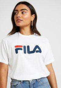 Fila Petite - PURETEE PETITE - Camiseta estampada - bright white - 4