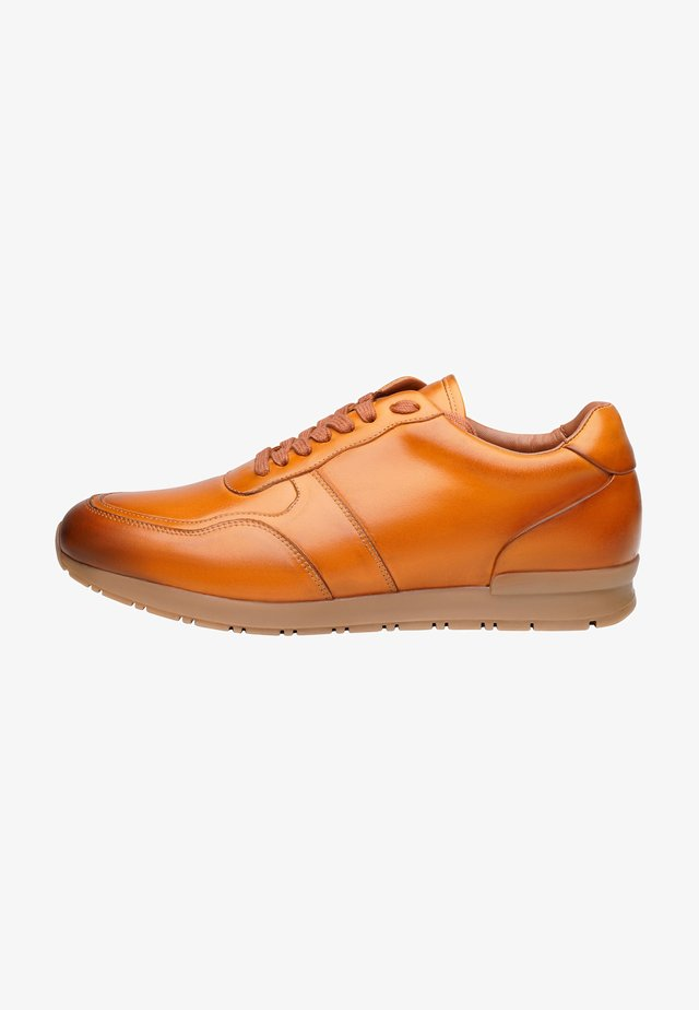 NO. 127 MS - Sneakers laag - cognac