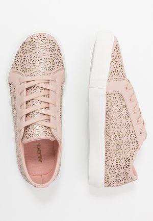 STEPANIE - Matalavartiset tennarit - light pink