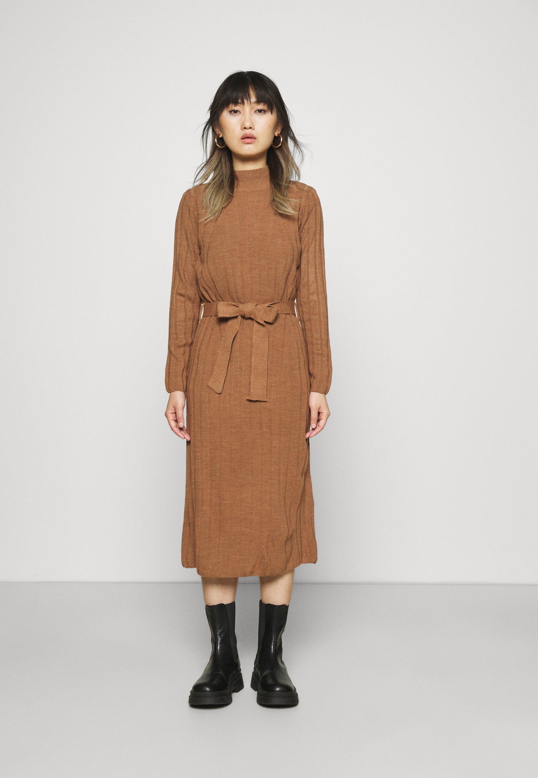 Femme ONLNEW TESSA O-NECK DRESS - Robe pull - argan oil