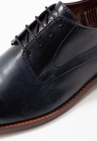 Base London - SCRIPT - Smart lace-ups - washed navy - 5