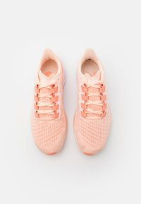 Nike Performance - AIR ZOOM PEGASUS 37 - Neutral running shoes - crimson tint/crimson pulse/crimson bliss - 3