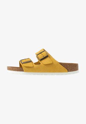 ARIZONA - Domácí obuv - ochre