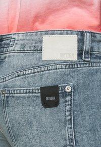 DRYKORN - PASS - Slim fit jeans - blau - 4