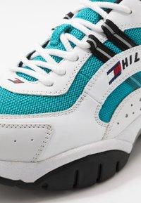 Tommy Jeans - HERITAGE RUNNER - Baskets basses - blue - 5