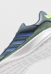 adidas Performance - TENSAUR RUN UNISEX - Laufschuh Neutral - legend blue/royal blue/signal green - 5