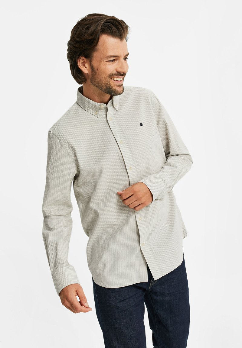 WE Fashion - SLIM FIT  - Shirt - off-white