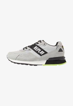 BOWLAND - Trainers - grey/black