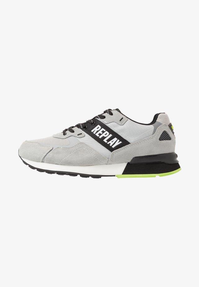 BOWLAND - Sneakersy niskie - grey/black
