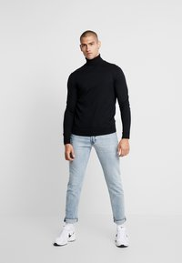Jack & Jones PREMIUM - JPRFAST ROLL NECK  - Jumper - black - 1